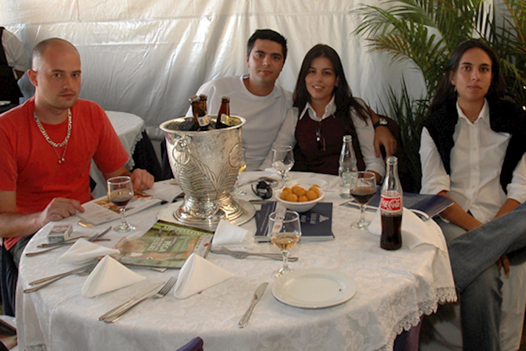 Carlos Arraval,  Edgar Vaipkaites,  Flávia Prata e Fernanda Arraval, Leilão de Maio